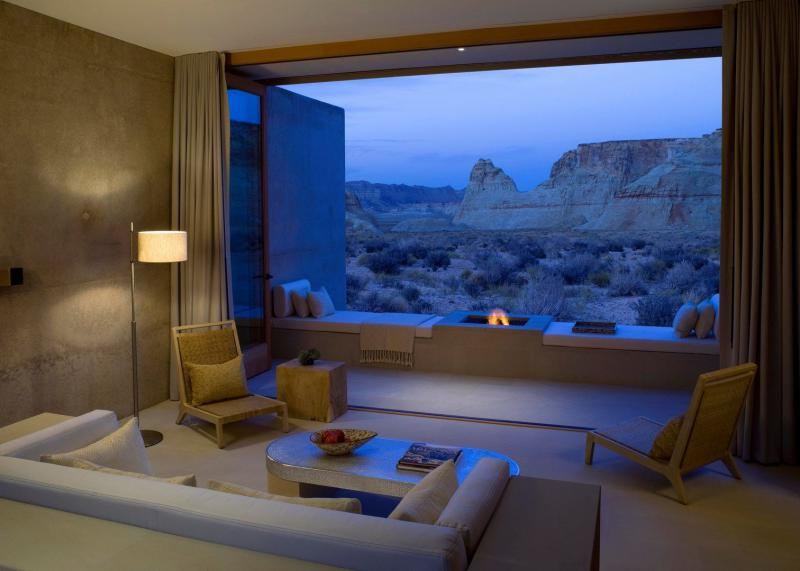 Living Room with open air view of Utah'